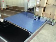 Überfahrbrücke Stahlblech enzianblau
